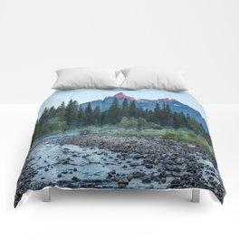 Pilot Peak - Mountain Scenery at Sunrise in Northeastern Yellowstone Comforters