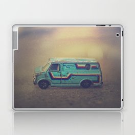 delightful van Laptop & iPad Skin
