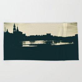Silhouette des Dresdener Elbufers Beach Towel