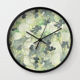 Niittykasveja Wall Clock