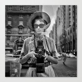 Selfie at tiffany's Canvas Print