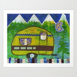 Vintage Camper Mountain Adventure Kunstdrucke