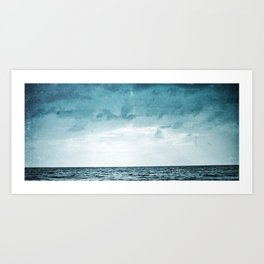 L'île invisible . . . Art Print