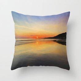 Dawn colours Throw Pillow