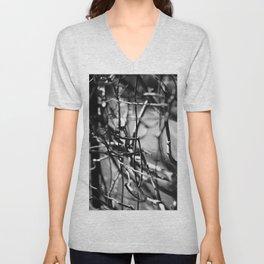 Creeping branches Unisex V-Neck