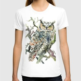 Great Horned Owl in Woods T-shirt