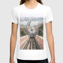 Funicular. T-shirt