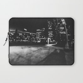 Love in Chicago Laptop Sleeve