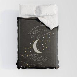 The Moon - Tarot Illustration Comforters