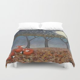 sleepy foxes Duvet Cover