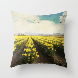 fields of daffodils Throw Pillow