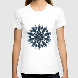Blue knapweed flower T-shirt