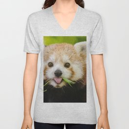 Amazing Cute Little Animal Chewing Food Ultra High Fidelity Unisex V-Neck