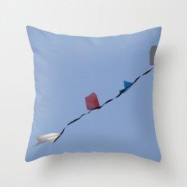 Bandeirolas Throw Pillow
