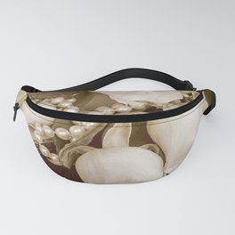 Pearl and roses Fanny Pack