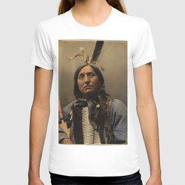 Left Hand Bear, Oglala Sioux chief T-shirt