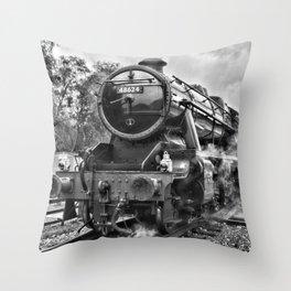 Stanier 48624 mono, landscape Throw Pillow