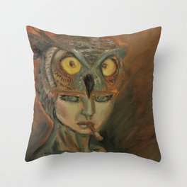 stare of an owl Throw Pillow