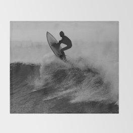 Surf black white Throw Blanket