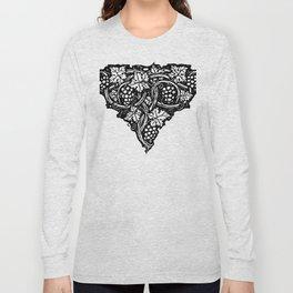 A Tailpiece of Grape Vines Long Sleeve T-shirt