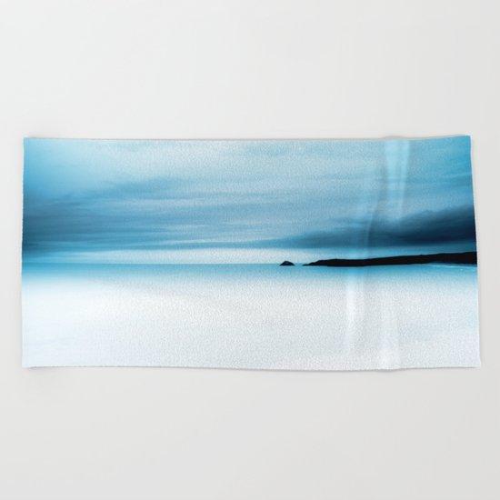 cool blue sea Beach Towel