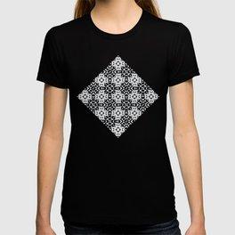 Black and White Geometric Quilt Pattern T-shirt