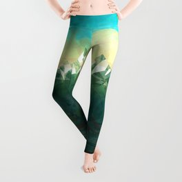 Mountains abowe the blue sky Leggings