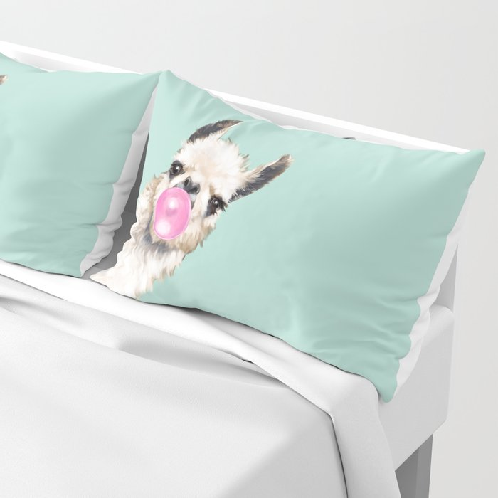 Bubble Gum Sneaky Llama in Green Kissenbezug