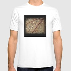 A Close Up Of A Wet Leaf MEDIUM Mens Fitted Tee White