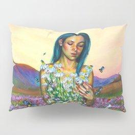 Loves me. Loves me not Pillow Sham