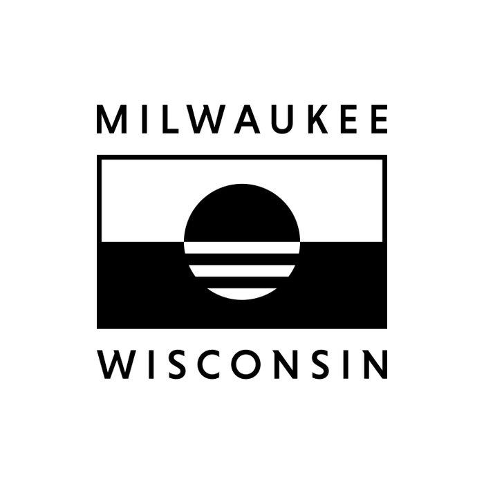 Milwaukee Wisconsin - White - People's Flag of Milwaukee Duvet Cover