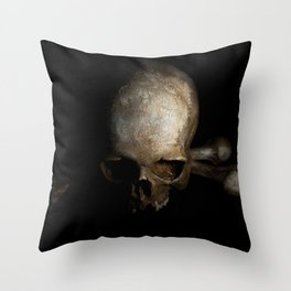 Male skull with bones Throw Pillow