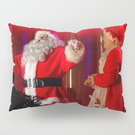 Holiday Christmas Santa Kris Kringle Pillow Sham