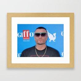 GUE ' PEQUENO Framed Art Print