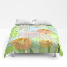 Artistic water colour, grunge swirls and daffodils Comforters