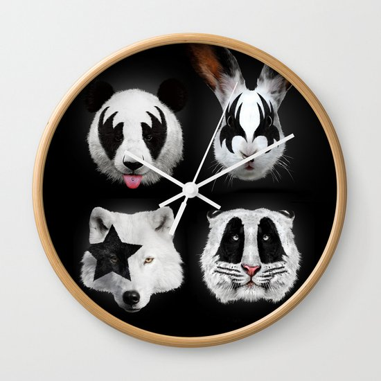 Kiss of animals Wall Clock