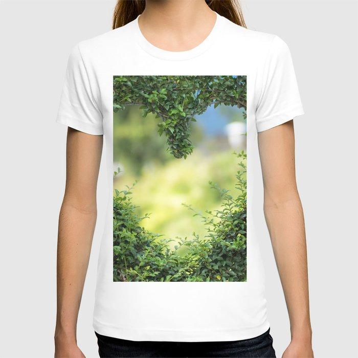 Heart in nature | coeur dans la nature T-shirt