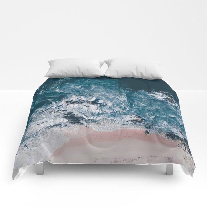 I love the sea - written on the beach Comforters