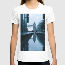 London, England 49 T-shirt