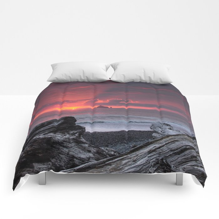 Rialto Beach Sunset Comforters