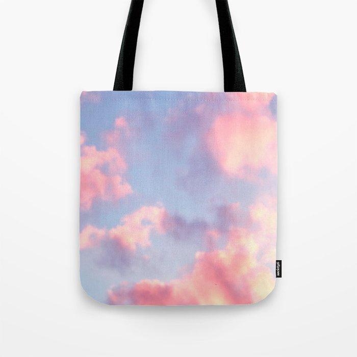 Whimsical Sky Umhängetasche