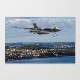 The Avro Vulcan flight at Dawlish 2015 Canvas Print