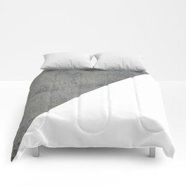 Concrete Vs White Comforters