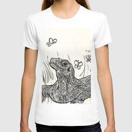 Komodo Dragon Basking in Beauty T-shirt