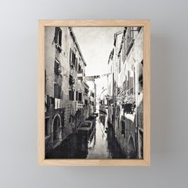 vivacità {b&w Framed Mini Art Print