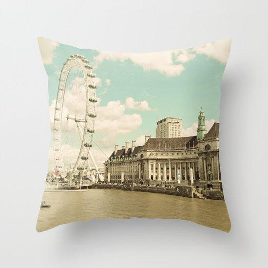 London Eye Love You Throw Pillow