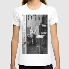 Don't look... T-shirt