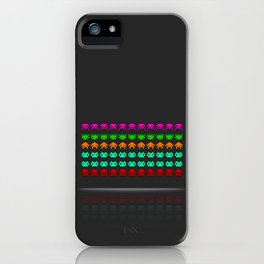 Pixel invaders : Incoming ! iPhone Case