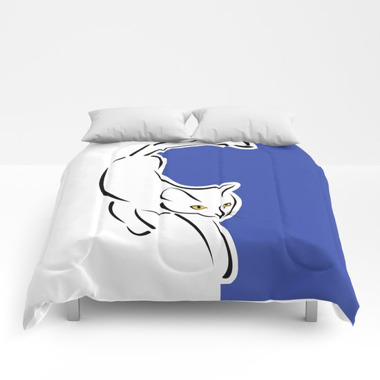 Cat in motion Comforters