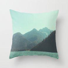 Desolation is beyond the horizon - Diablo Lake Throw Pillow